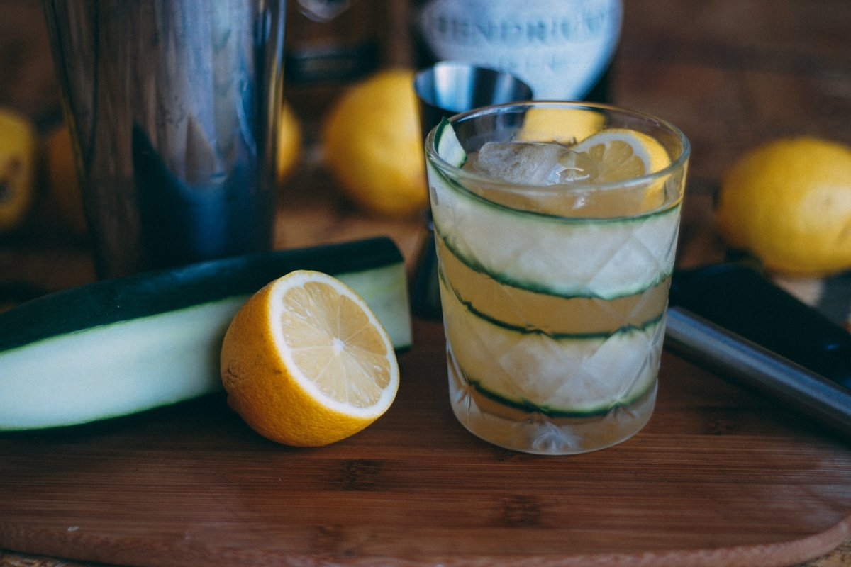 Cucumber cocktail with lemons